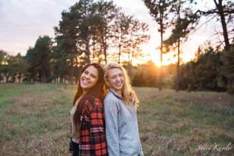 Best Friends Photos in Golden Hour