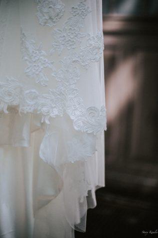 Antique Lace Ivory Wedding Dress
