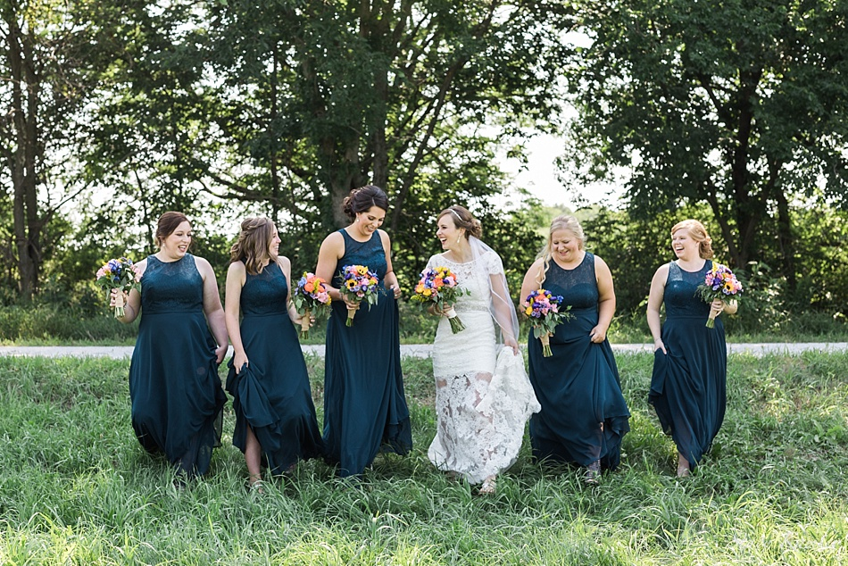 Outdoor Bridesmaids Photos