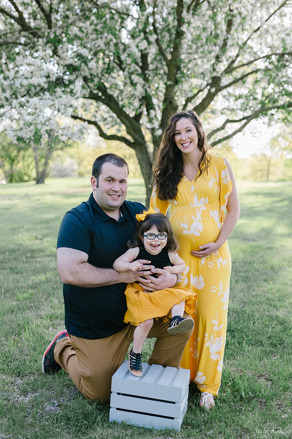 Family Maternity session at Mahoney State Park